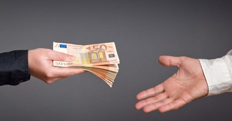 bonus-350-euro-assegno-forze-armate-800x445