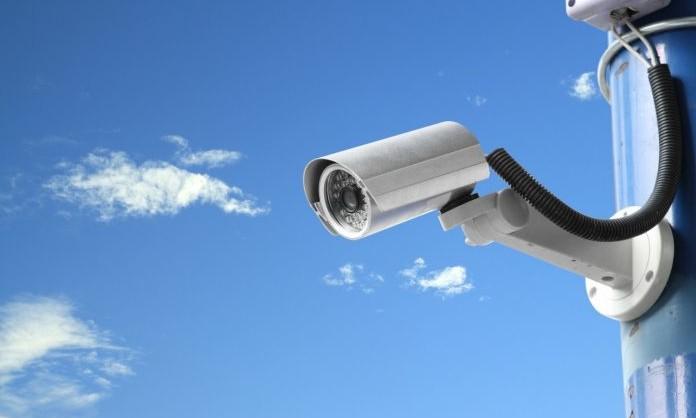 telecamera-di-sicurezza-696x464